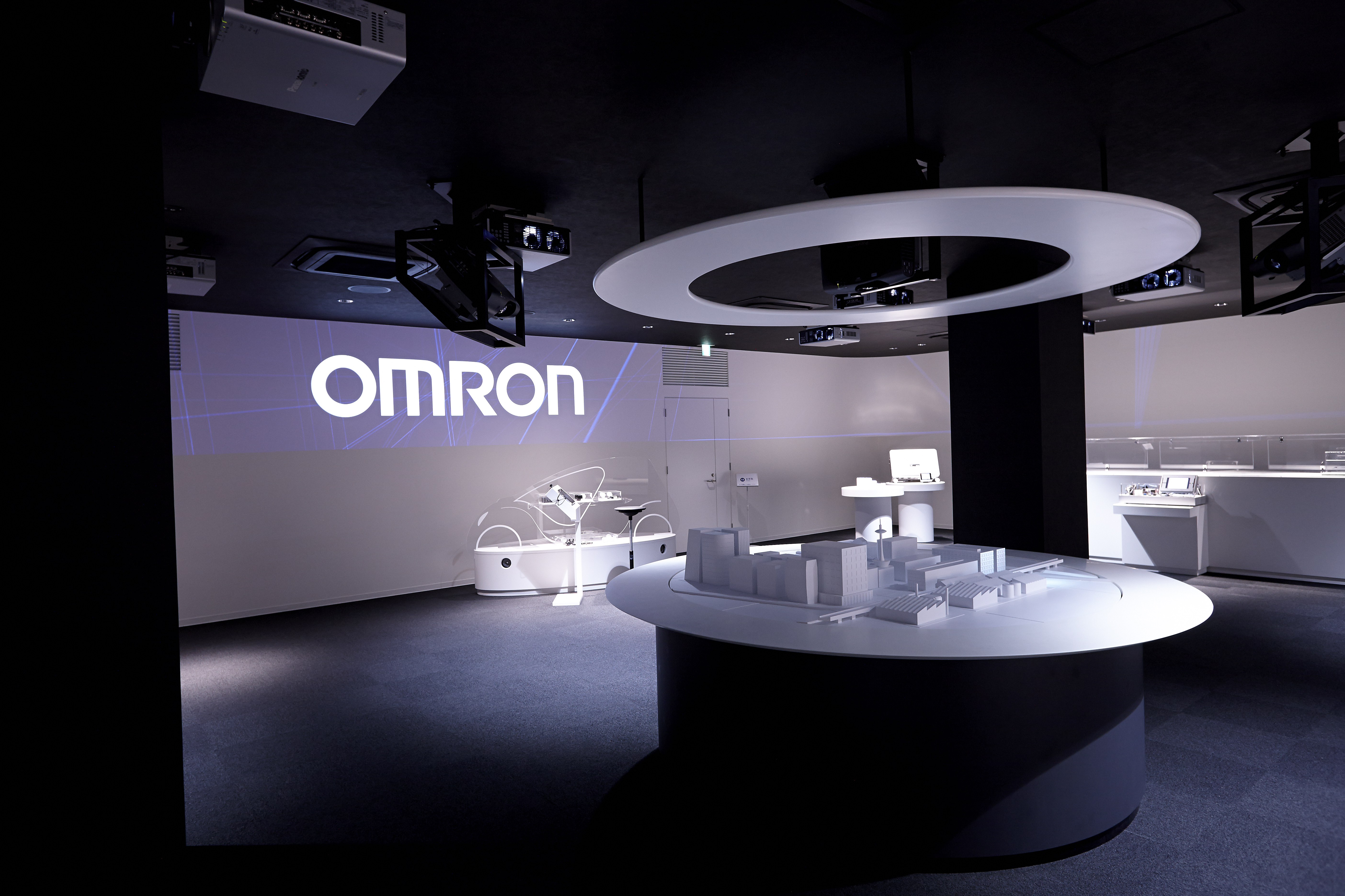 企業インタビュー オムロン株式会社
